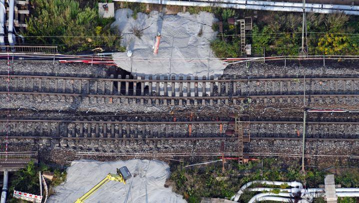 Logistik-GAU: Wer besonders tief im Rheintal-Schlamassel steckt