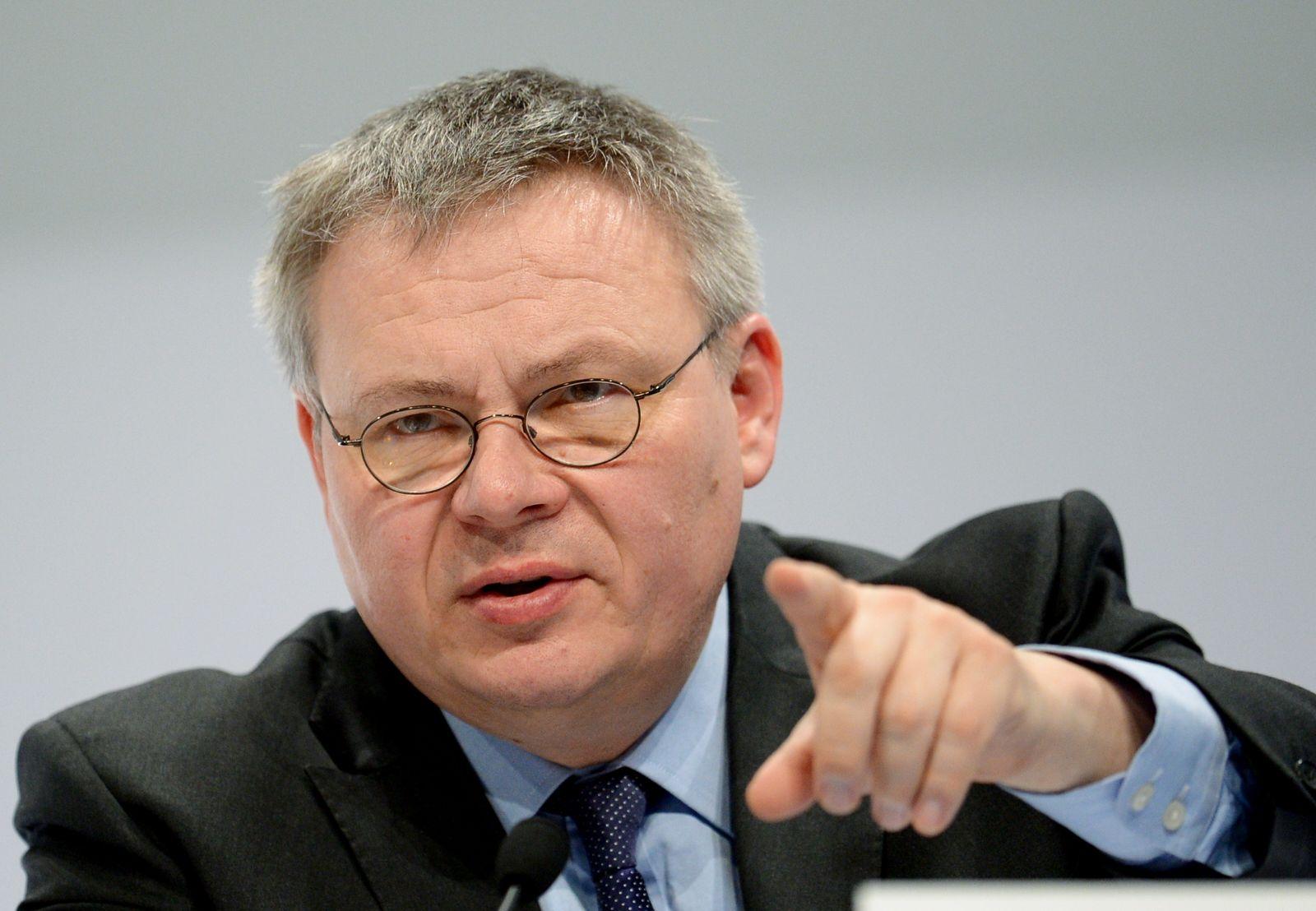 Daimler Bilanz PK Jörg Howe