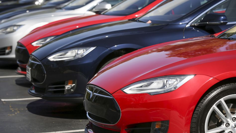 Fahrzeuge vom Typ Tesla Model S