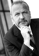 Firmengründer Günther Thiel dürfte am Kursverlauf der Aktie keine Freude haben.