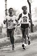 ... der junge Mann läuft sich frei. Als Langstreckenläufer.