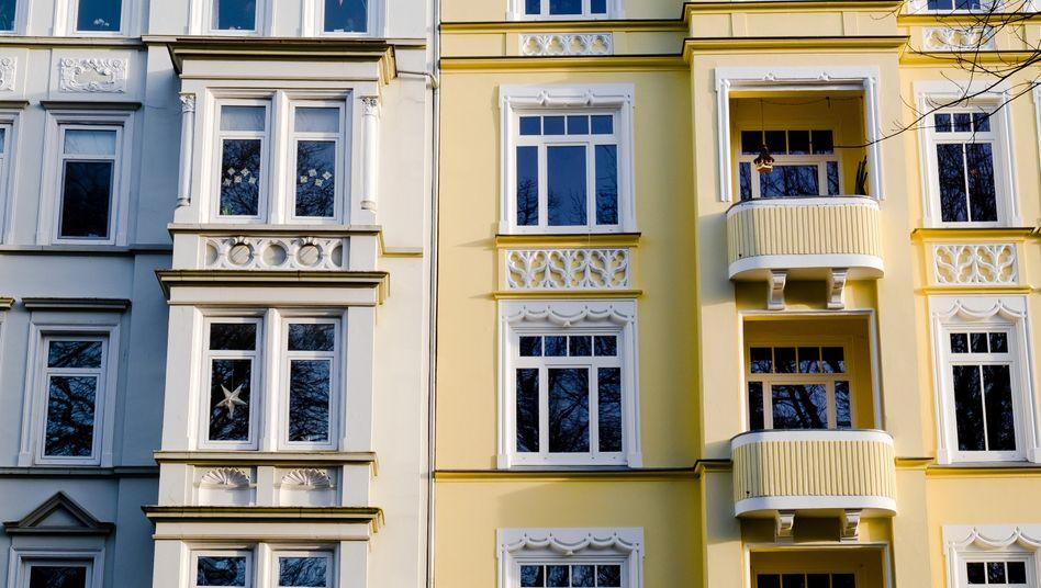Bund will Corona-Sorgen von Mietern entkräften: Häuserfassade in Berlin