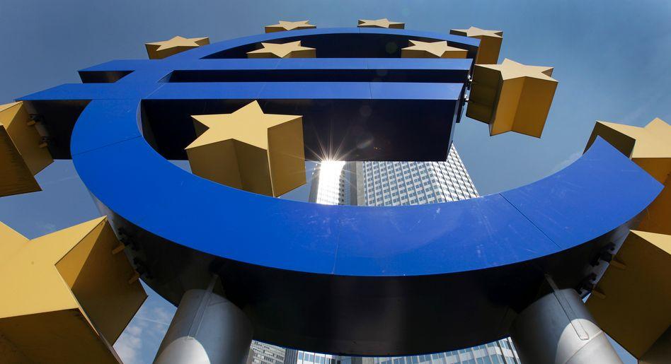 Europäische Zentralbank in Frankfurt: Die Ankäufe im Rahmen des billionenschweren Krisen-Anleihenkaufprogramms PEPP sollen auch während des nächsten Quartals deutlich umfangreicher ausfallen als in den Anfangsmonaten des Jahres