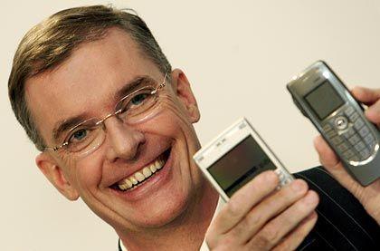 Lächeln, auch wenn's Zweifel gibt: Simon Beresford-Wylie, Vorstandschef von NSN
