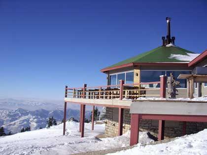Skihütte im Skigebiet von Uludag: Zur Mittagszeit gibt es Köfte und Mokka