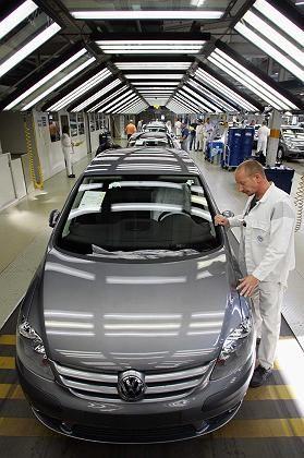 Das geht auch schneller: Aufgrund der anhaltenden Nachfrage nach dem VW Golf wird dessen Produktion im kommenden Jahr erhöht