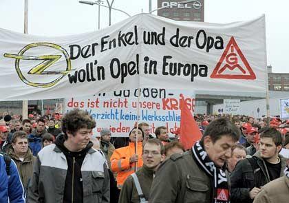 """""""Es ist eine Lumperei"""": Opelaner kämpfen um ihre Jobs"""