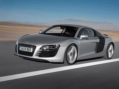 Audi R8: Klebt auf der Straße