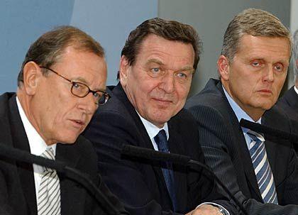 Maut-Verantwortliche mit Auftraggeber: DaimlerChrysler-Chef Jürgen Schrempp, Kanzler Gerhard Schröder und Telekom-Vormann Kai-Uwe Ricke