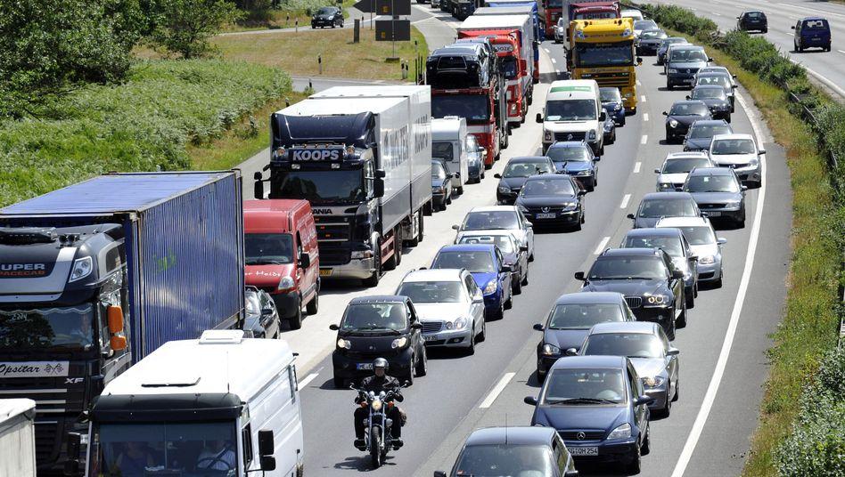 Es geht nicht voran: Geschäftsreisen mit dem Auto werden seit zehn Jahren mit 30 Cent pro Kilometer vergütet