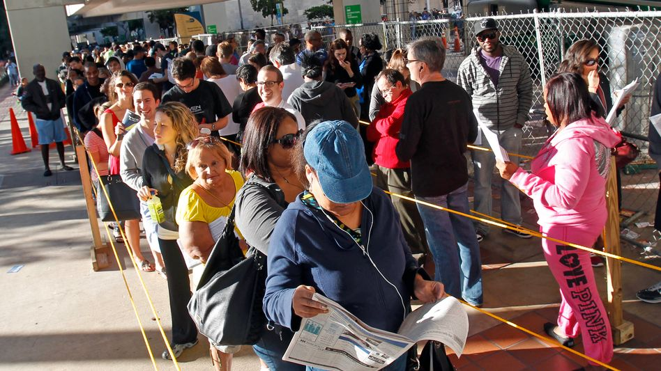 Wähler in Florida: Erst um 6 Uhr unserer Zeit schließen in Alaska die letzten Wahllokale