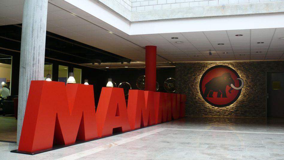 Eingang vom Mammut Headerquarter in Seon