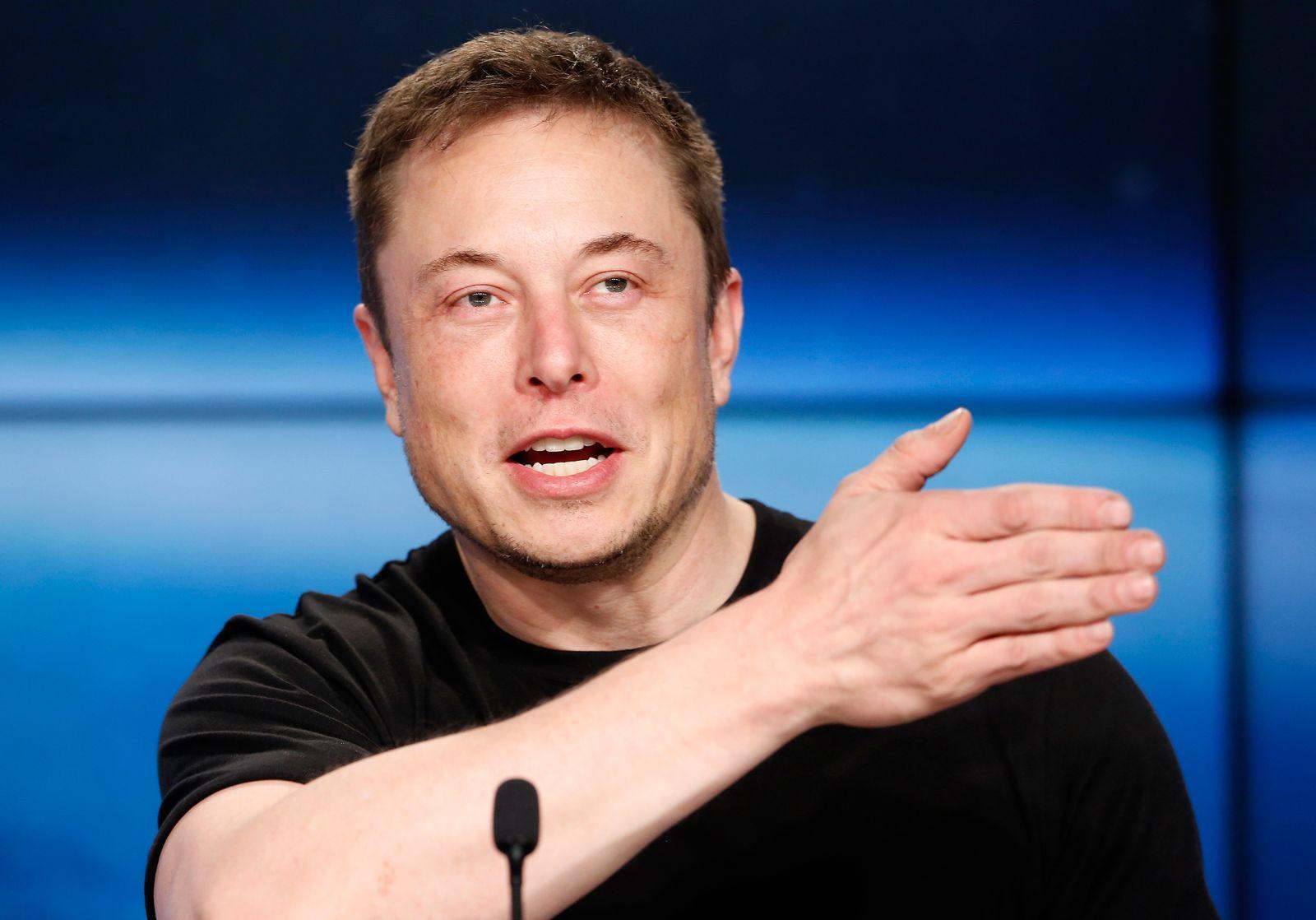 EINMALIGE VERWENDUNG Elon Musk