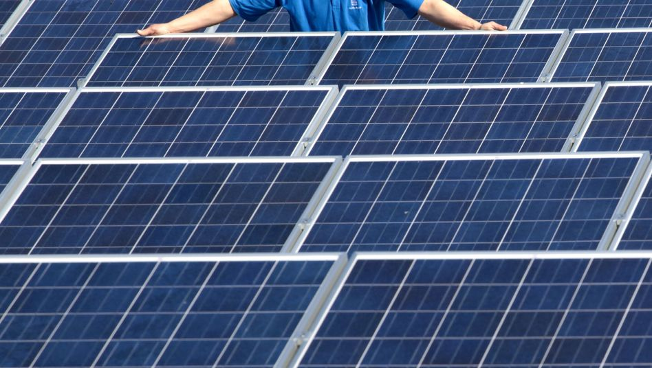 Solaranlage auf Firmendach: RWE will verstärkt ins Geschäft mit der Fotovoltaik einsteigen