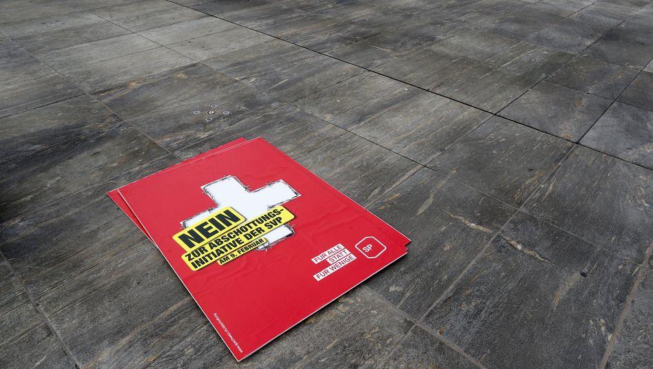 Nein zur Abschottung: Die warnenden Stimmen konnten sich in der Schweiz nicht durchsetzen. Dabei ist das Land in vielen Bereichen auf Arbeitskräfte aus dem Ausland angewiesen und nicht nur auf Akademiker - 40 Prozent der Pflegekräfte haben keinen Schweizer Pass