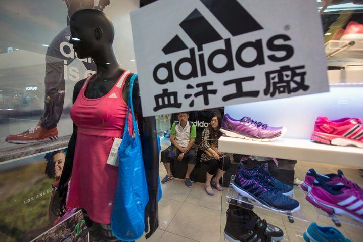 Adidas muss viele seiner Stores in China vorübergehend schließen