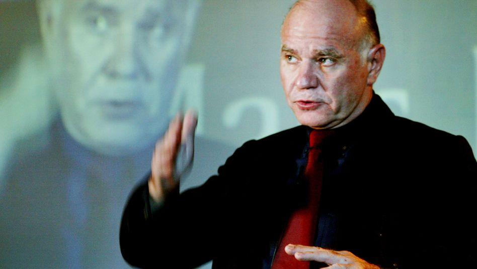 """""""Dr. Doom"""" in Aktion: Investmentexperte Faber mag düstere Prognosen und glaubt nicht an Tesla"""