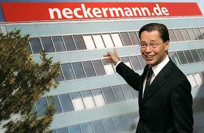 Thomas Middelhoff: Der Chef des Karstadt-Konzerns hat derzeit wenig Grund zum Lachen. Das Geschäft der Versandhandelsmarken Neckermann und Quelle läuft schlecht.