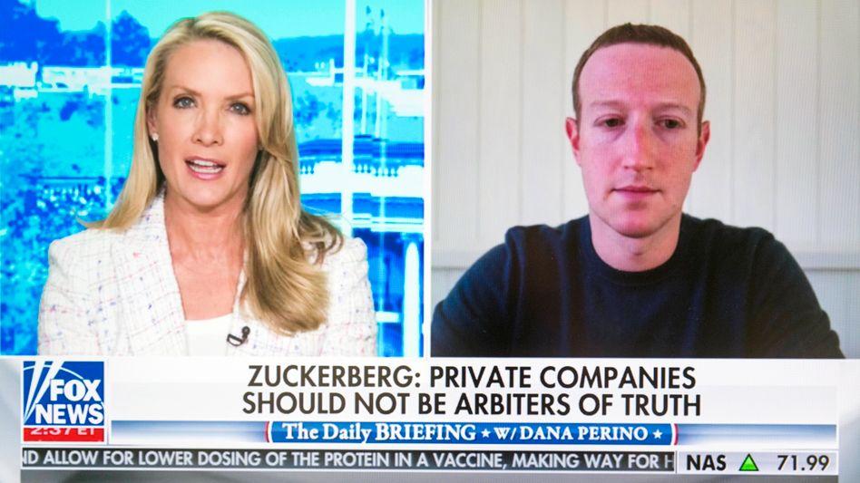 """""""Kein Schiedsrichter der Wahrheit"""": Facebook-Chef Mark Zuckerberg im Interview mit Fox News-Moderatorin Dana Perino."""