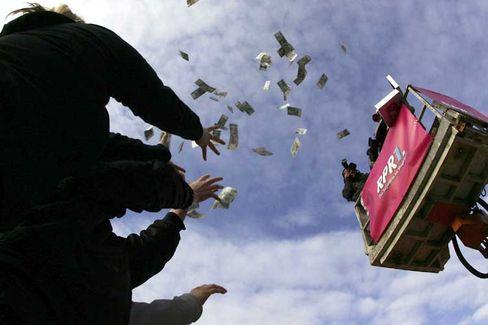 Geldregen: Die Politik billigen Geldes hat die Geldentwertung angeheizt
