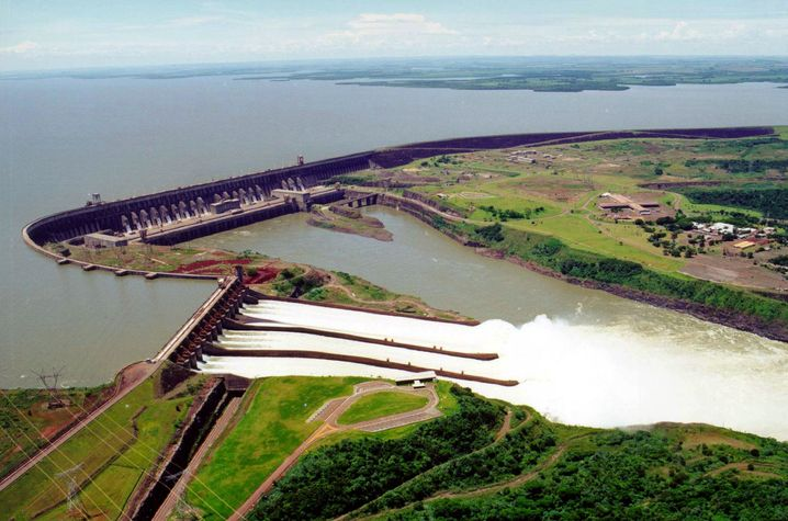 Staudamm Itaipu in Brasilien: Die Kraft des Wasser wird schwächer