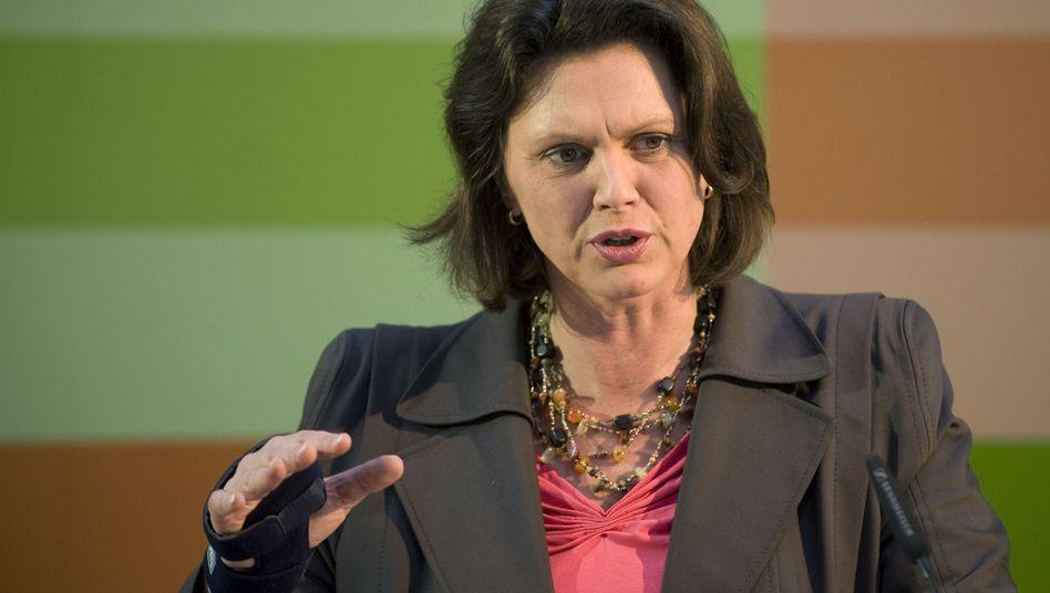 Ministerin Ilse Aigner: Die Geldinstitute wollen in den Preisaushängen der Filialen über ihre Dispozinsen informieren. Eine Selbstverständlichkeit, möchte man meinen - Frau Aigner freut sich gleichwohl über die Zusagen