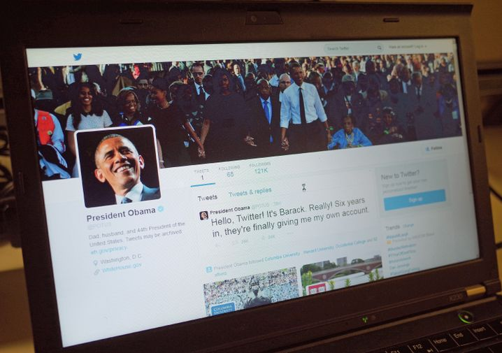 "Epischer Moment: Obamas erster Tweet als @POTUS am 18. Mai 2015 lautete ""Hello, Twitter! Its Barack. Really! Six years in, theyre finally giving me my own account."""