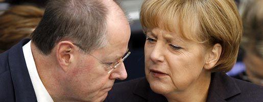 Uneins über den Weg: Finanzminister Steinbrück (SPD) und Bundeskanzlerin Merkel plädieren mittlerweile beide für Steuererleichterungen. Doch über das Wie dürfte am Montag im Koalitionsausschuss heftig gestritten werden.