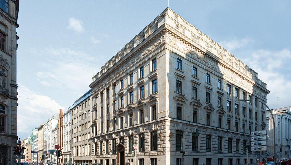 Feine Hamburger Adresse: Das Bankhaus M.M.Warburg & CO will sein Luxemburg-Geschäft komplett abstoßen