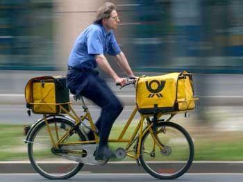 Einsparung: Künftig sollen viele Postboten nur noch halbtags beschäftigt sein