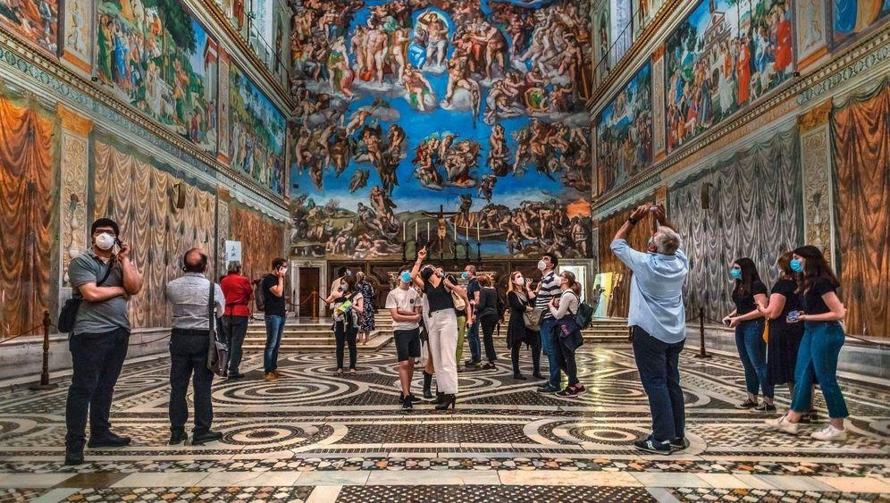 Glaube, Hiebe, Hoffnung:Touristenmagnete wie die Sixtinische Kapelle ziehen immer. Das Milliardengeschäft mit dem Urlaub aber wandelt sich radikal.