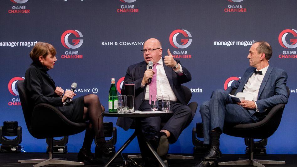 Peter Altmaier (Mitte) mit den mm-Redakteuren Margret Hucko und Martin Noé