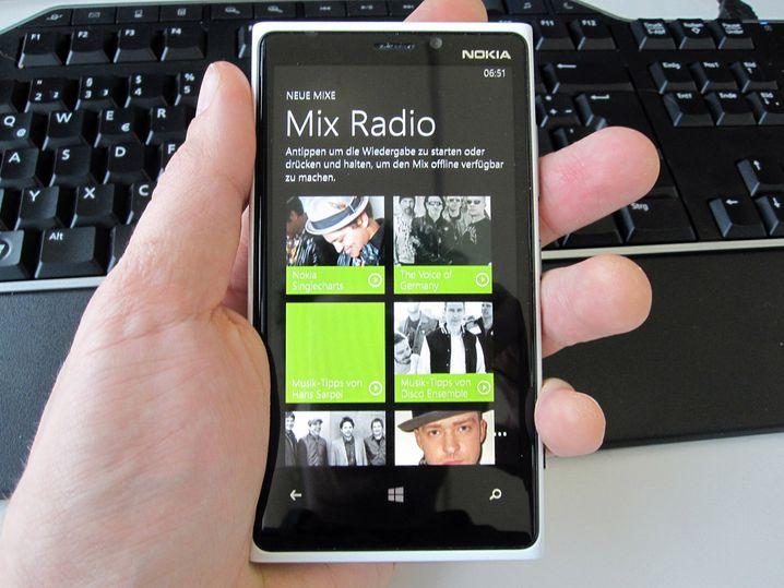 Das rockt: Das Lumia 920 hat Offline-Mixes zu bieten sowie Online-Radios in allen erdenklichen Musikrichtungen