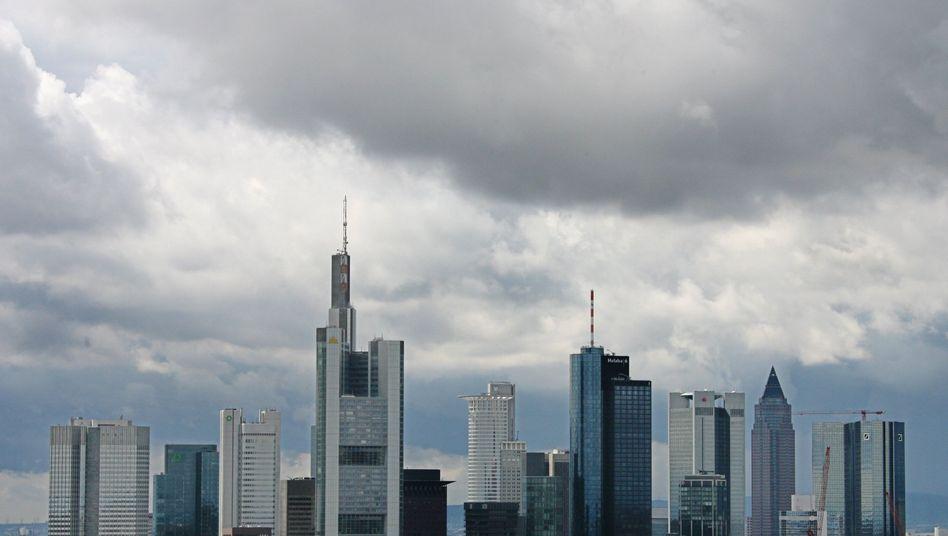 Frankfurter Bankenviertel: Welche Regeln können die Banken vertragen?