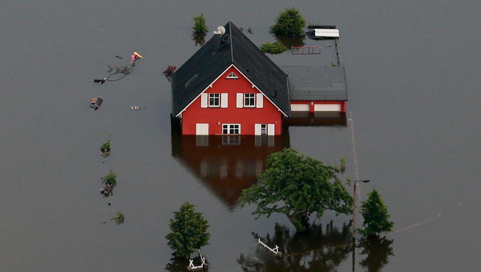 Elbe-Flut in Deutschland: Milliardenschäden zu beseitigen
