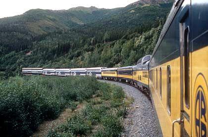 Fahrt durch Alaska: Die Zugfahrt dauert zwölf Stunden