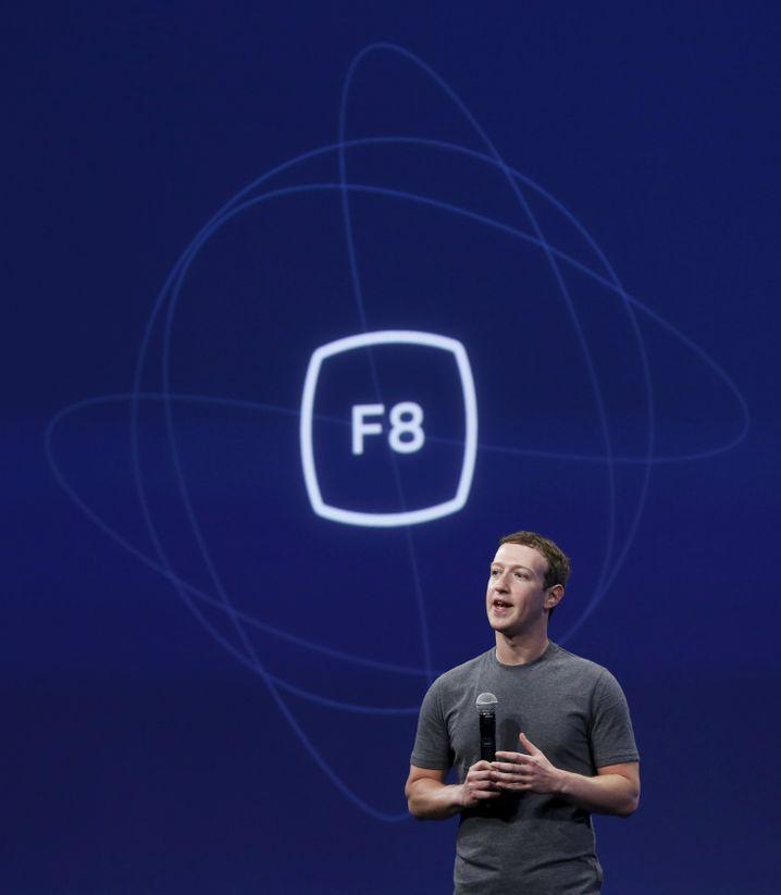 Mark Zuckerberg: Drohnen und Laser sollen das Web zu den Menschen in entlegenen Gegenden beamen