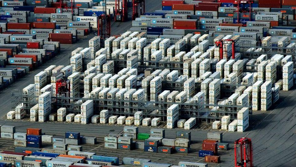 Container-Terminal in Bremerhaven: Deutscher Export steigt mit globaler Wirtschaftserholung