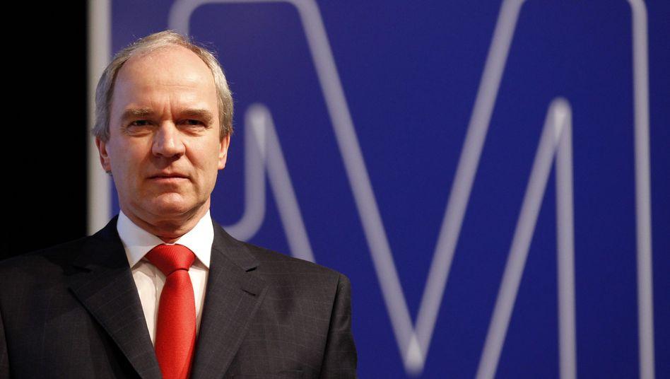 Merck-Chef Karl-Ludwig Kley: Allein in der Zentrale der Pharmasparte Merck Serono in Genf fallen 500 Stellen weg
