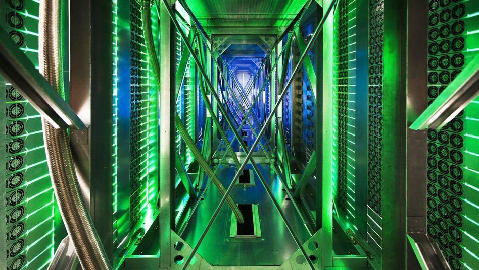 Die Macht der Server: Im Bild der Kühltunnel von Googles Datencenter in Pryor, Oklahoma