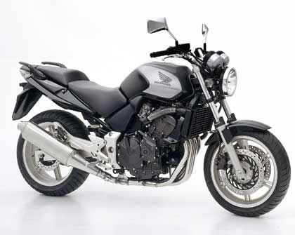 Variable Lenkerposition und verstellbare Sitzbank: Die Honda CBF600 richtet sich an Ex-Biker, die einen Neuanfang wagen
