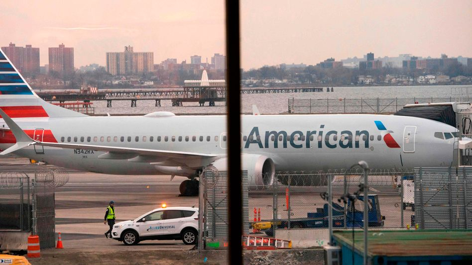 Die US-Fluggesellschaft American Airlines streicht wegen der anhaltenden Unsicherheit über die Wiederzulassung der 737 Max weitere Flüge