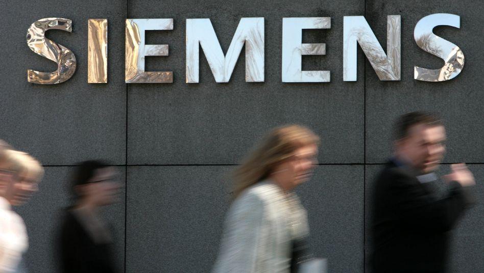 Siemens-Konzernzentrale in München: Die teure Strafzahlung an Areva führt offenbar zu einem Umdenken in der Chefetage