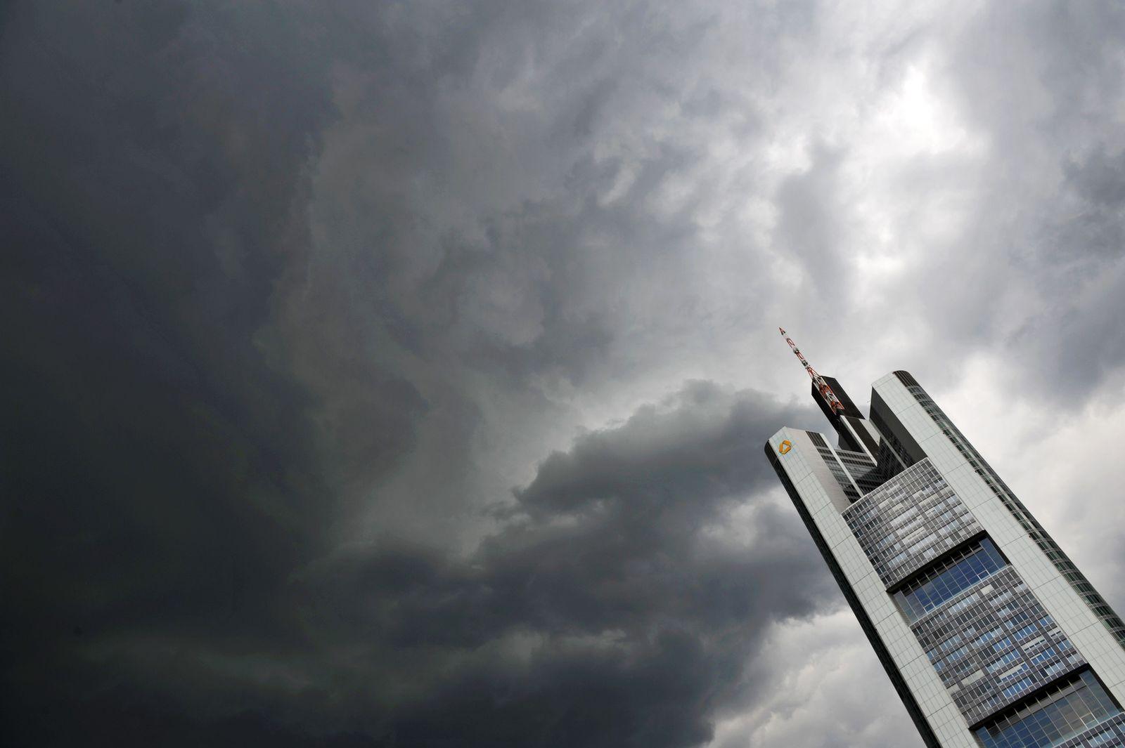 Commerzbank/ Frankfurt/ Razzia