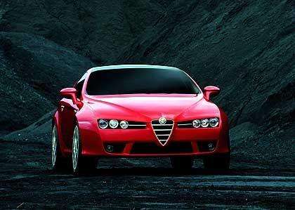 Alfa Brera: Ein Scheinwerferblick zum Dahinschmelzen