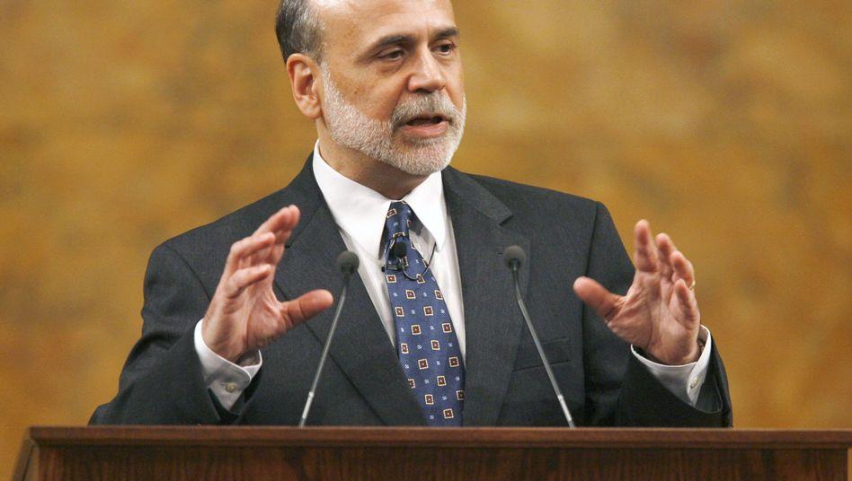 Fed-Chef Ben Bernanke gibt heute seine erste Pressekonferenz nach dem Vorbild von EZB-Chef Jean-Claude Trichet.