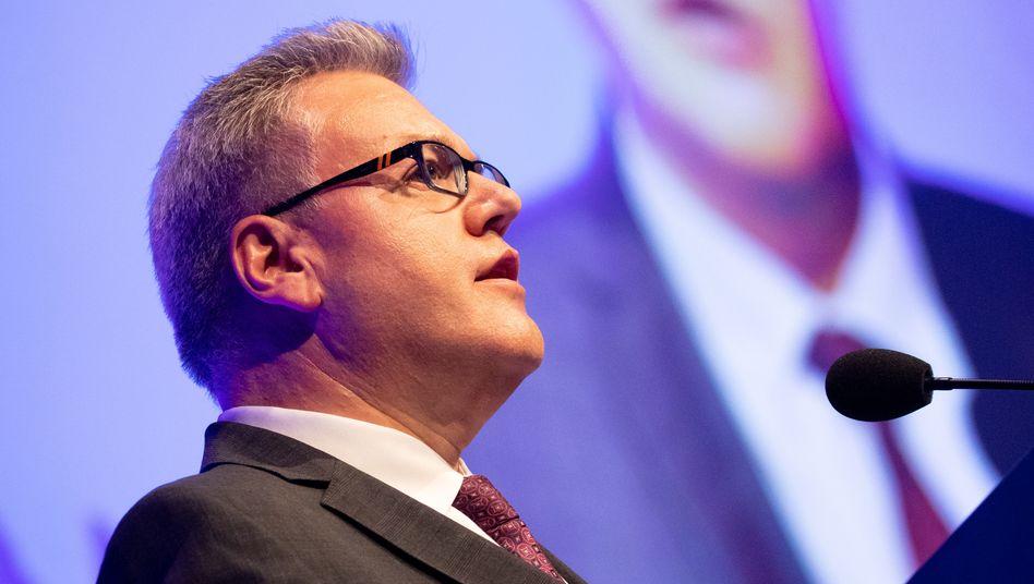 Abgang: Beiersdorf-Chef Stefan De Loecker gibt sein Amt zum 1. Mai auf