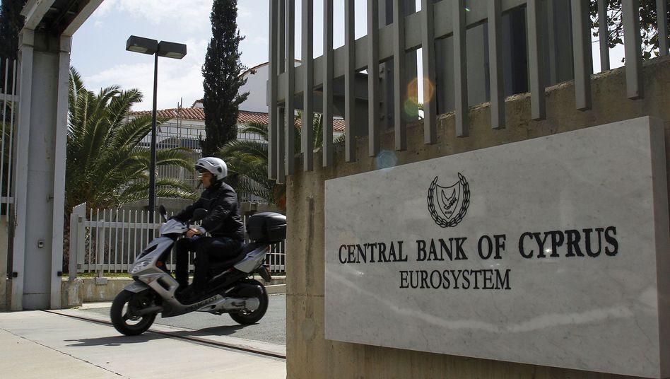 Die Zentralbank Zyperns muss weiterhin um mögliche Hilfsgelder aus der EU zittern