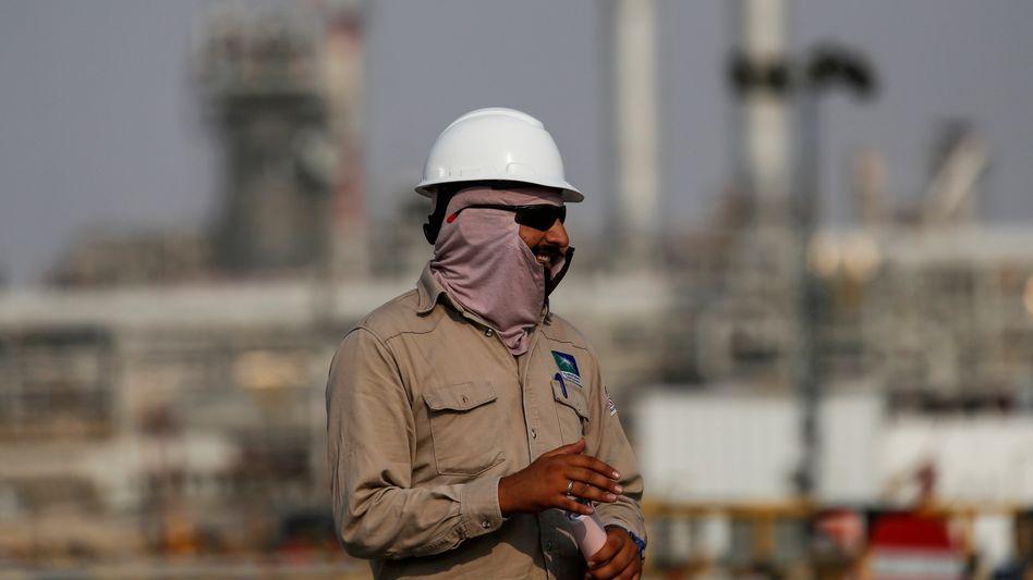 Arbeiter des Ölriesen Saudi Aramco: Das Opec-Kartell wird die Produktion erhöhen und stellt damit die Weichen für eine Förderung auf Vorkrisen-Niveau