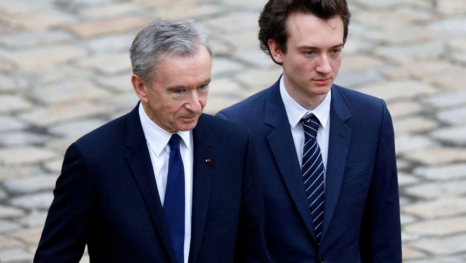 Frédéric Arnault (r.) ist der zweitjüngste Sohn von Milliardär Bernard (l.). Frédéric wird ab Juli Tag Heuer leiten.